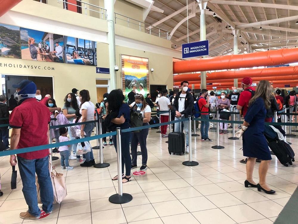 Aeropuerto Cibao reanudó operaciones con 22 vuelos desde y hacia Estados  Unidos | Caribbean Digital